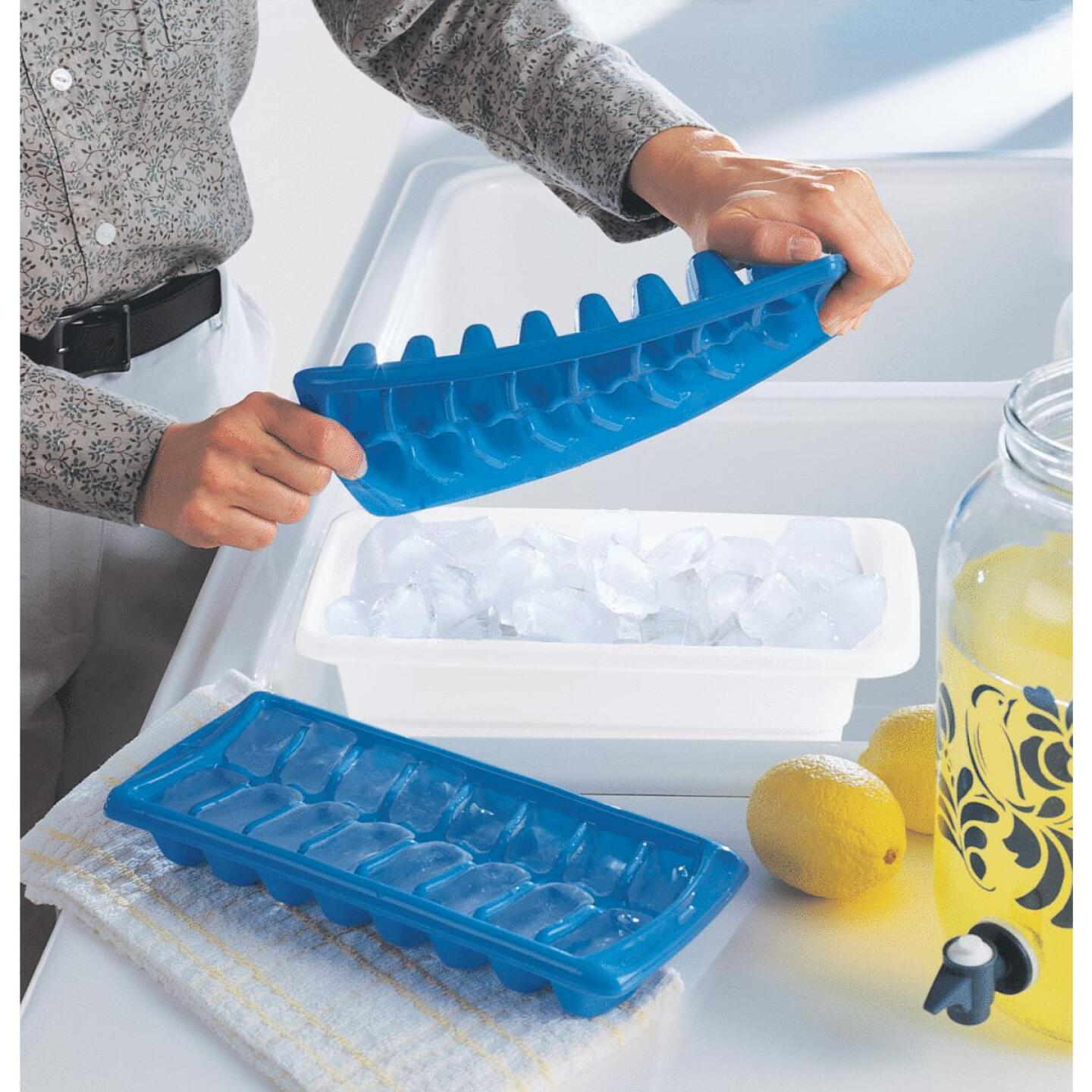Rubbermaid Periwinkle Ice Cube Tray (2 Count) Image 3